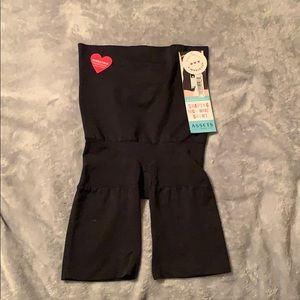 Assets By Spanx Intimates & Sleepwear - Shaping high waist short